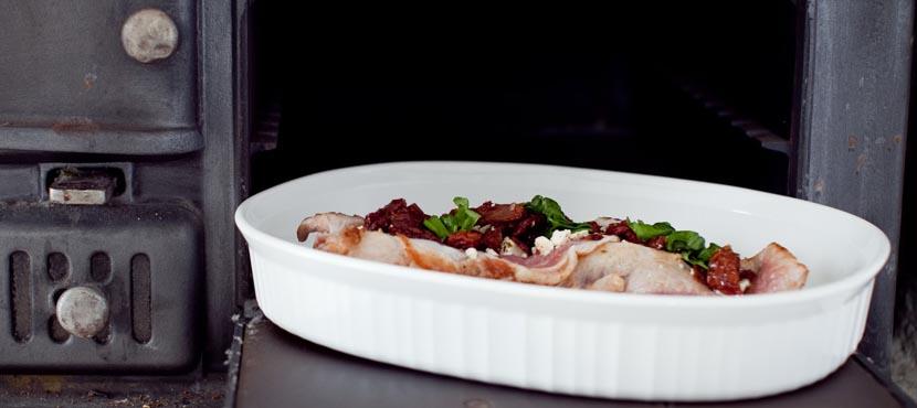 baconlindad-flaskfila-med-fetaost-tomat-basilikafyllning-018