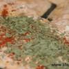 Dragonkycklinggryta med röd coleslaw och broccolimos