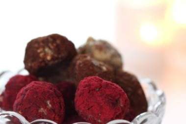 Pepparkasbollar m syrlig tranbärsströssel – rawfood