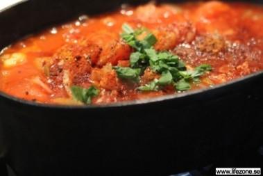 LCHF rostad tomatsoppa med basilikadoft
