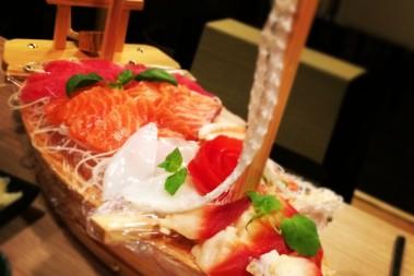 En sashimi afton