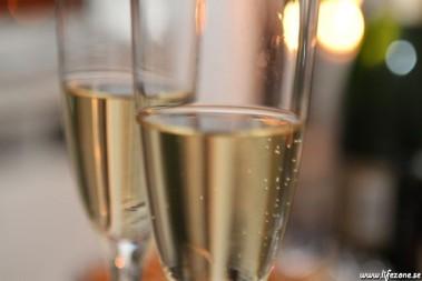 Lite champagne tycker jag