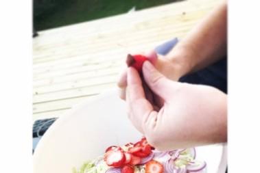 Sommar Coleslaw – lchf och jordugubbar