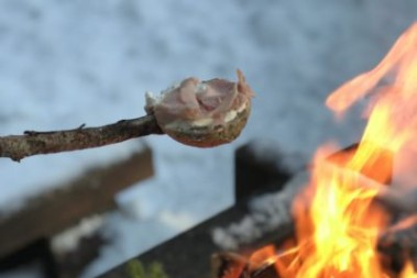 4 timmar i skogen o grillad LCHF bröd!