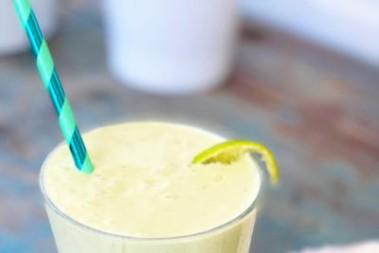 Kokos- och avokadosmoothie