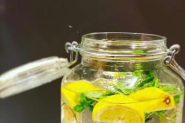 Kvass med citrus, ingefära och päron
